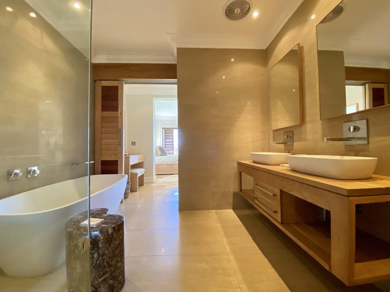 Ballito Beach House Villa Sea Breeze Bathroom (1)