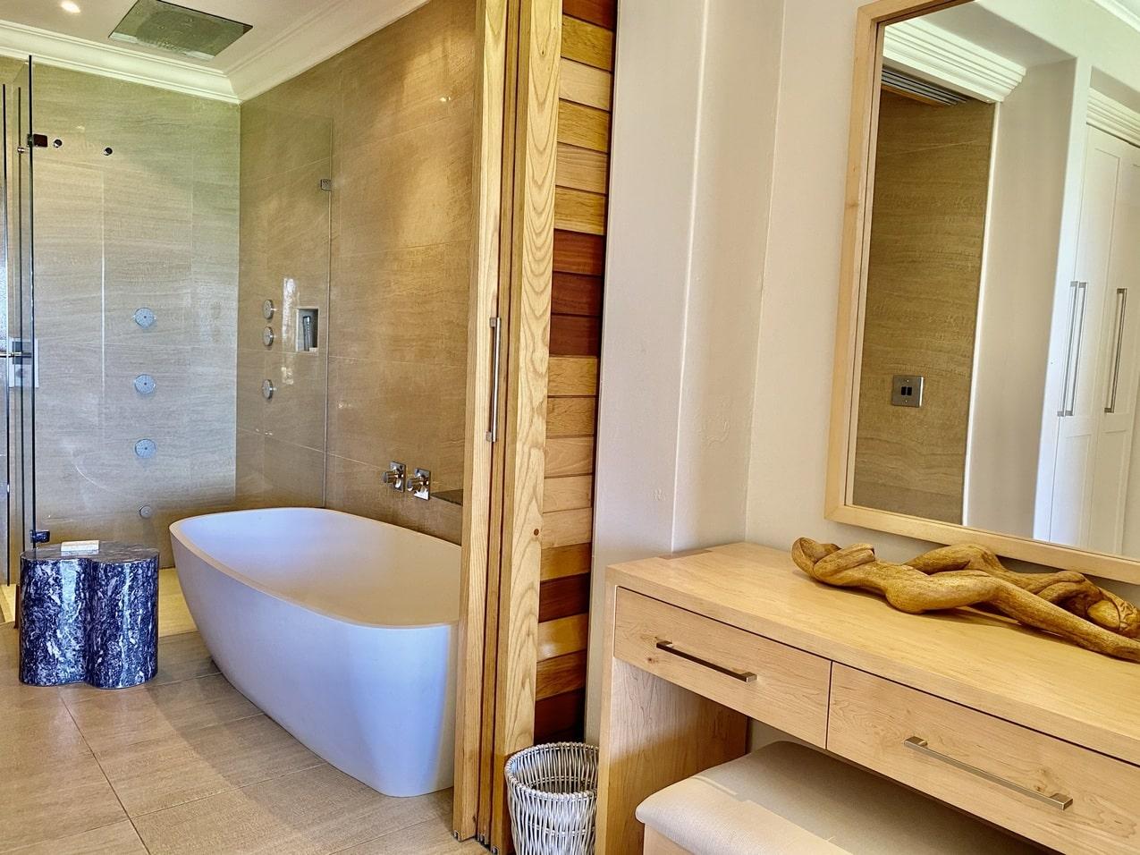 Ballito Beach House Villa Sea Breeze Bathroom (2)