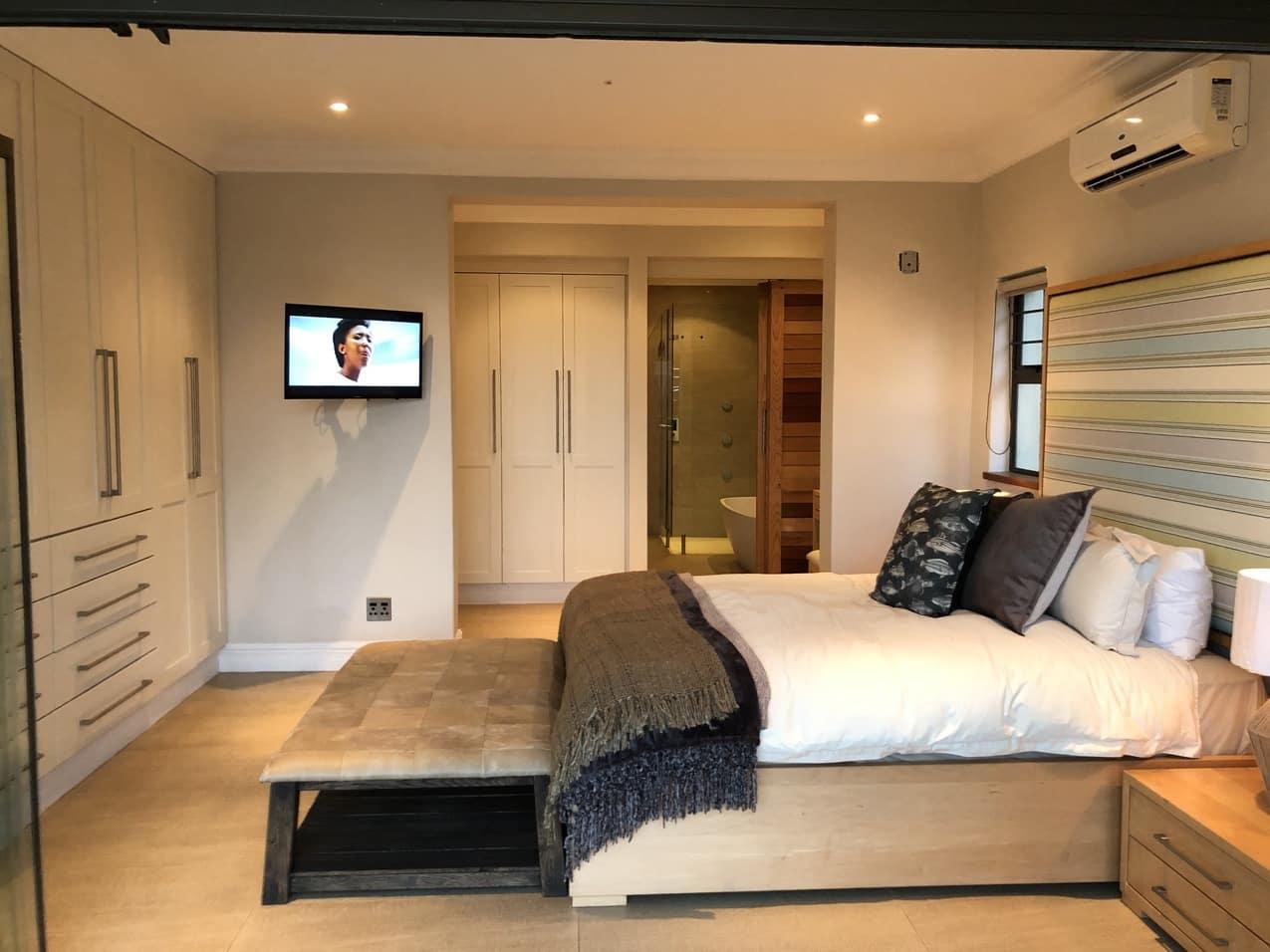 Ballito Beach House Villa Sea Breeze Room 4JPG
