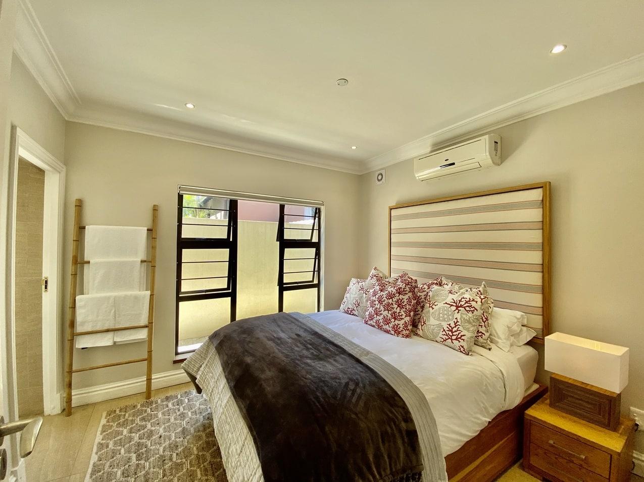 Ballito Beachfront Cottage Coral Bedroom (2)